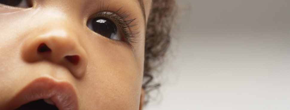 Cuidados com os olhinhos do bebê