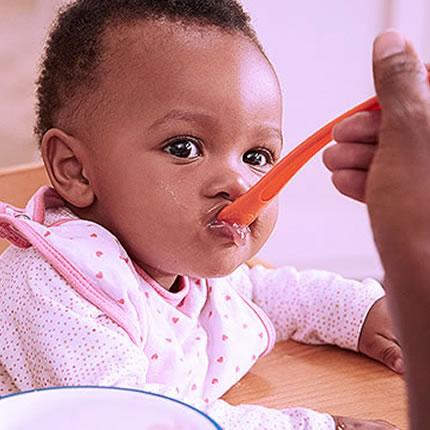 Alimentação Bebê: 4 receitas de papinhas super nutritivas e de rápido preparo.