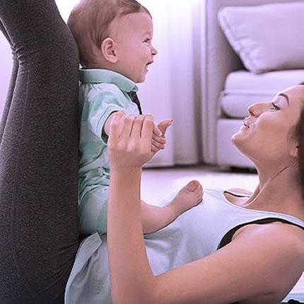 5 Exercícios para a Mamãe e o Bebê Fazerem em Casa